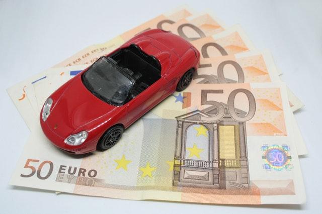 Geld lenen voor een auto